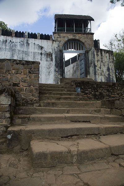 Foto van Looking up the stairs leading to the gate of the RovaAmbohimanga - Madagaskar