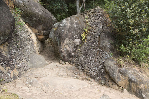 Photo de The most ancient of gateways to Ambohimanga: Ambavahaditsiombiomby - Madagascar - Afrique