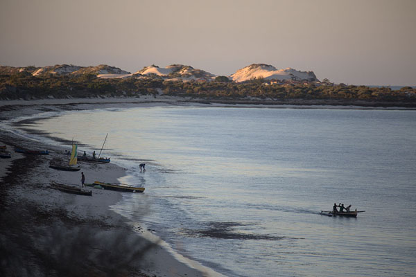 First sunlight on the sand dunes of Salary - 马达加斯加到 - 非洲