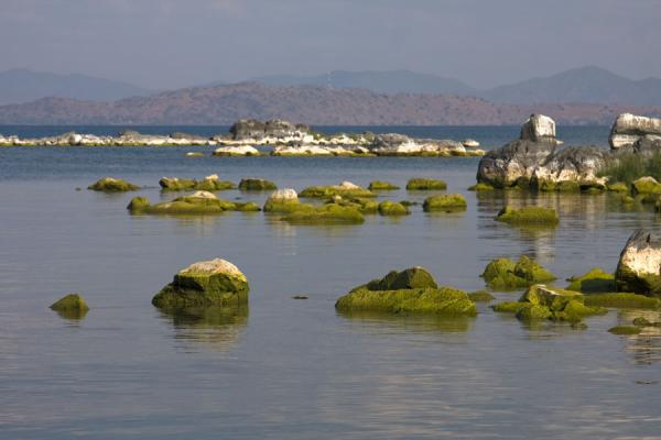 Foto di Rocky coastline of Same beach on Chizumulu IslandMalawiani - Malawi