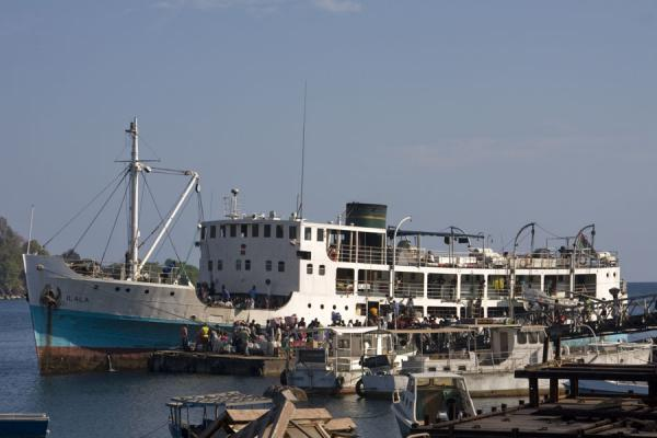 Foto van The MV Ilala docked in Nkhata harbourLake Malawi - Malawi