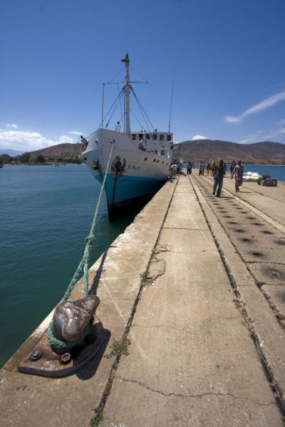 Foto van The MV Ilala docked in Chilumba harbourLake Malawi - Malawi