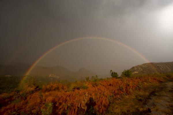Bright rainbow over Chambe Basin, part of Mount Mulanje |  | 马拉威