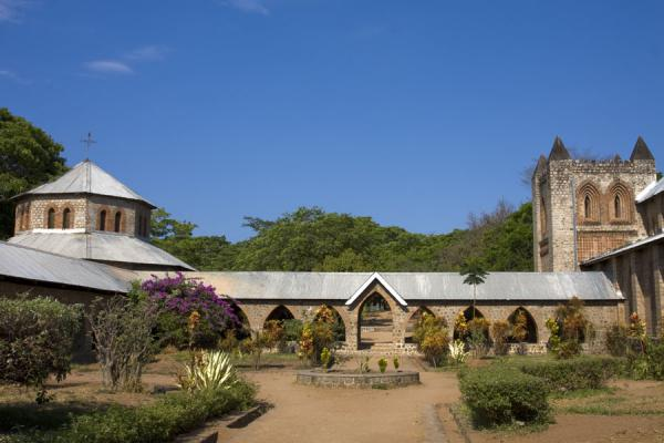 Picture of Saint Peter's Cathedral (Malawi): St. Peter's Cathedral on the left hand side
