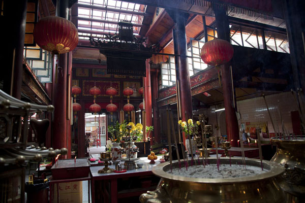 Photo de Interior of the Sze Ya temple in ChinatownKuala Lumpur Chinatown - Malaise