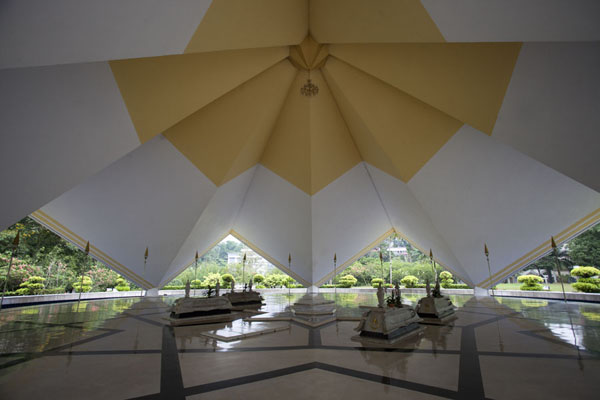 Tombs of former presidents in a high, open hall | Masjid Negara | Malaysia