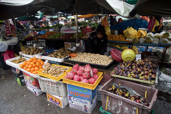 Picture of One of the many stalls at Pudu market selling fruit