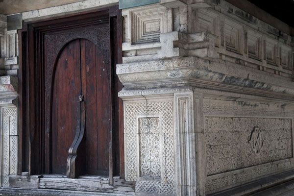 The mausoleum of Iskandhar, the founder of the mosque in 1658 | Malé Old Friday Mosque | Maldives