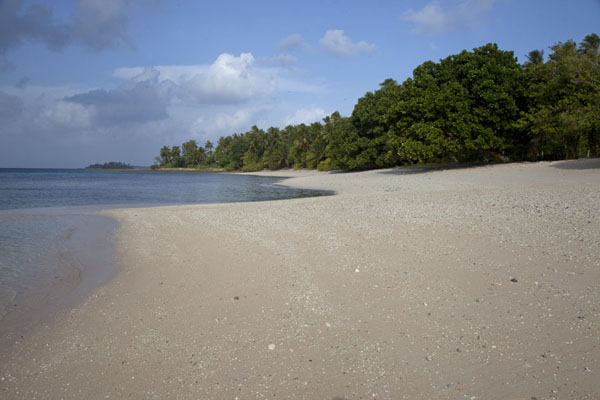 Beach at Eneko at low tide | Eneko Island | Marshall Islands