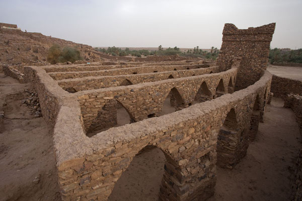 Picture of Ouadane (Mauritania): The old mosque of Ouadane seen from above