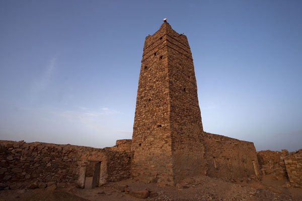 The minaret of the new mosque of the old city of Ouadane | Ouadane | Mauritanie