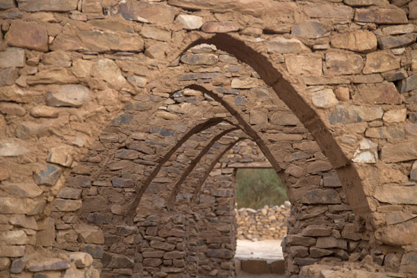 Picture of Ouadane (Mauritania): The ancient mosque of Ouadane: row of arches