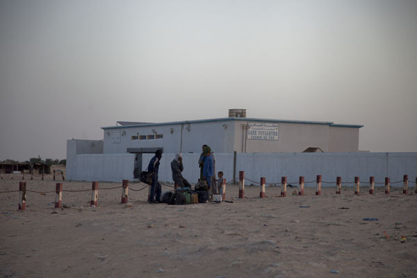 Picture of The small building acting as the (closed) railway station at Nouadhibou