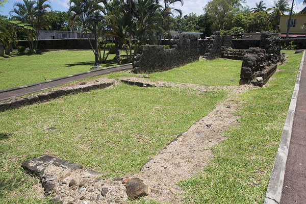 Outline of buildings in the French fort | Fort Frederik Hendrik | Mauritius