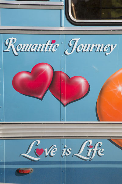 Foto van Romantic painting on a bus at Port Mathurin bus station - Mauritius - Afrika