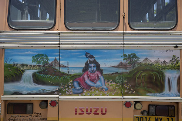 Idyllic scene painted on a bus at Mahébourg bus station | Bussen van Mauritius | Mauritius