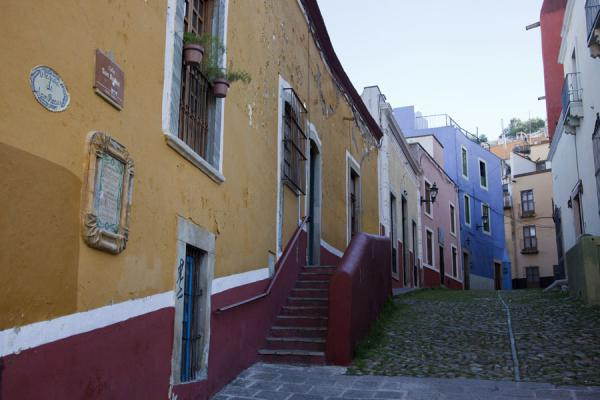 Street with colourful houses in Guanajuato | Historic town of Guanajuato | Mexico