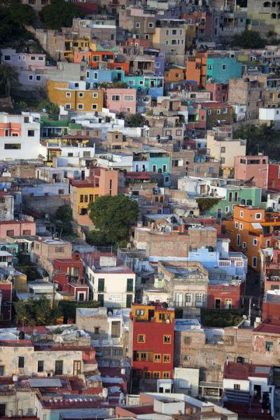 View over colourful neighbourhood of Guanajuato just before sunset | Historic town of Guanajuato | Mexico