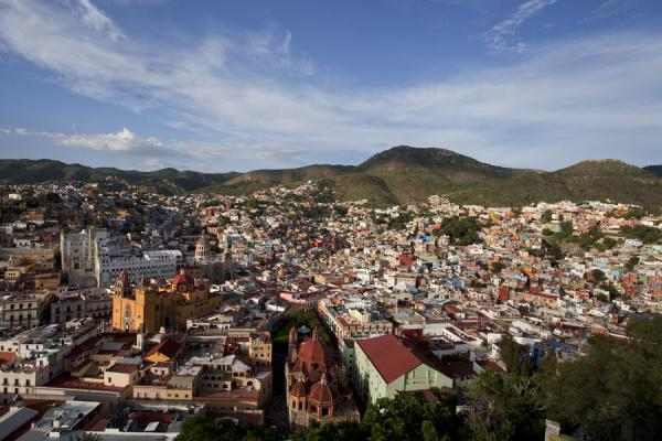 View over the historic centre of Guanajuato in the late afternoon | Historic town of Guanajuato | Mexico