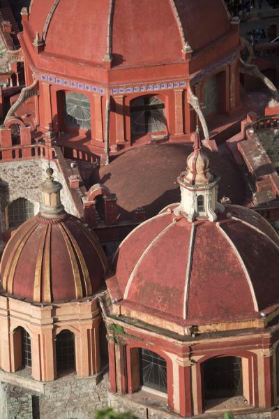 View over the cupolas of the San Diego de Alcalá church | Historic town of Guanajuato | Mexico