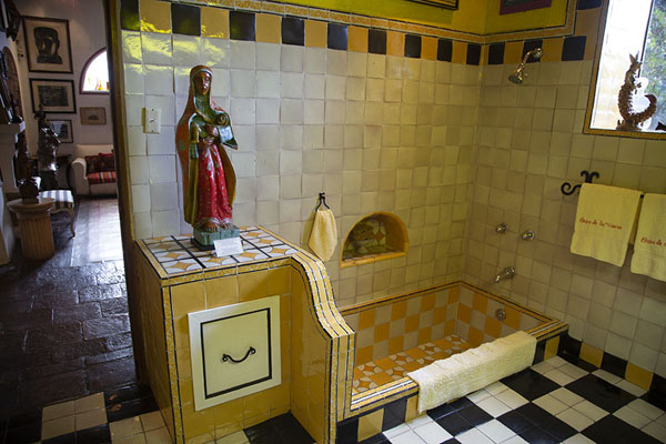 Bathroom with Maria and child in the museum | Robert Brady Museum | Mexico