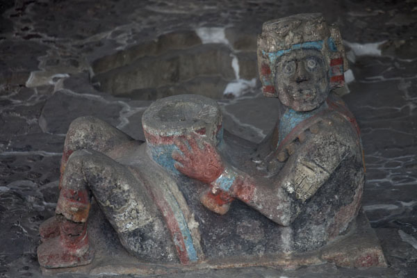 Chacmool with traces of colour at the top of the Tlaloc shrine | Templo Mayor | Messico