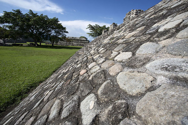 View towards the Temple of the Feathered Serpent with the Temple of the Three Stelae in the foreground | Xochicalco | Messico