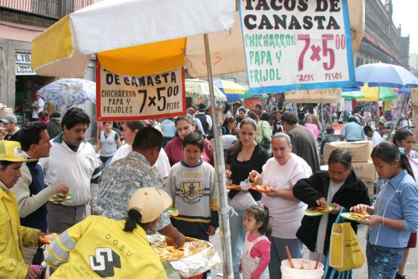 Photo de Stall with typical food on Zocalo, Mexico CityMexico - Mexico