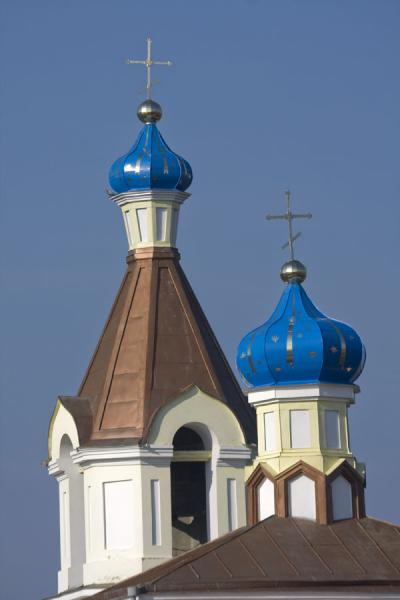 Picture of Orheiul Vechi (Moldova): Belfry and roof of the Birth of the Holy Virgin church