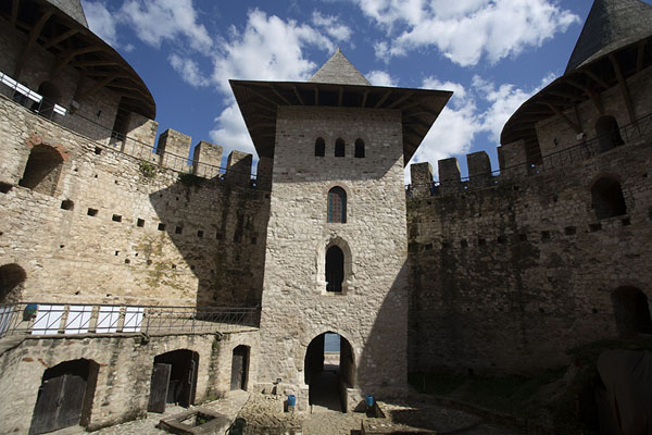 Looking up the impressive walls of Soroca Fortress from inside |  | 摩尔达维亚