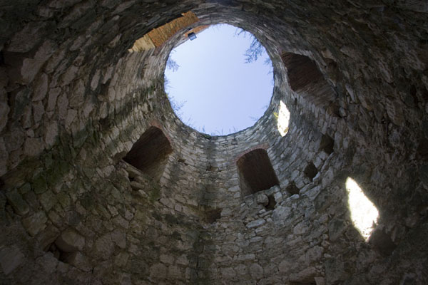 Foto van Orthodox church inside the fortress of Soroca - Moldavië - Europa