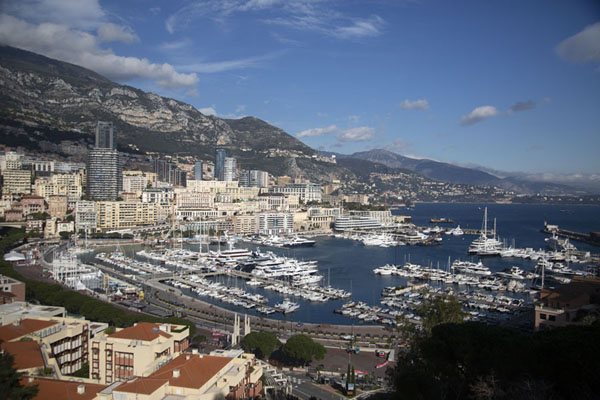 Foto van The big port of Monaco, full of pricey yachtsMonaco stad - Monaco