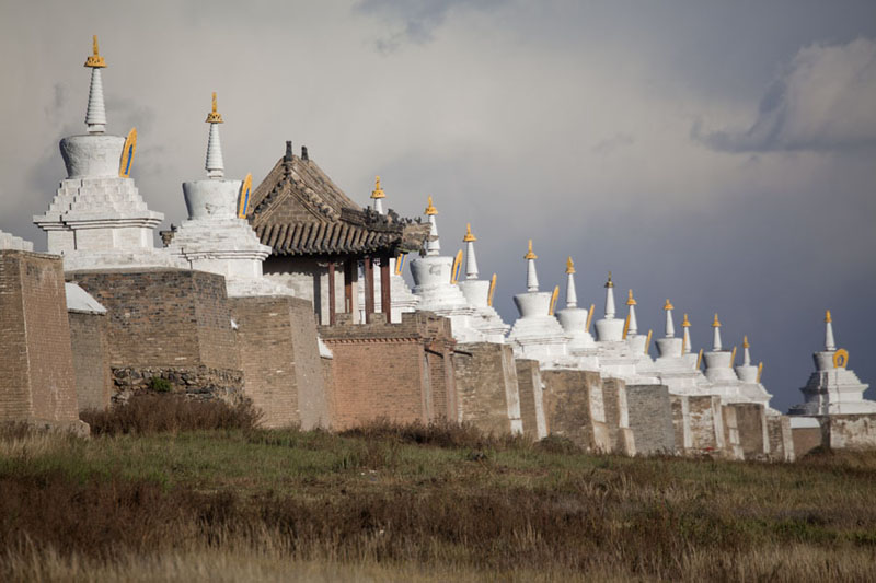 Row of stupas on the wall surrounding the Erdene Zuu monastery | Erdene Zuu Khiid | Mongolia