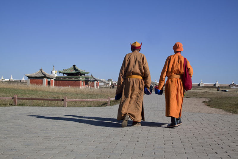 Monks entering the Erdene Zuu monastery in the morning | Erdene Zuu Khiid | Mongolia