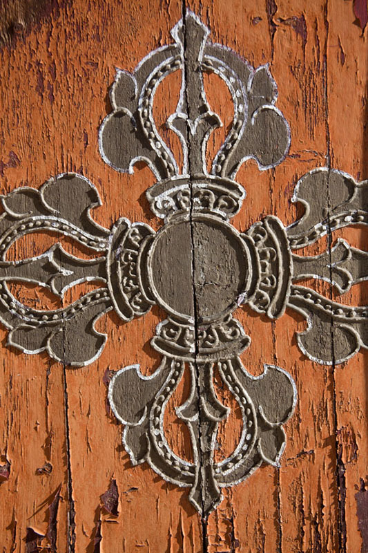 Vajra, symbol of strength and indestructibility, painted on a door of a temple at Erdene Zuu monastery | Erdene Zuu Khiid | Mongolia