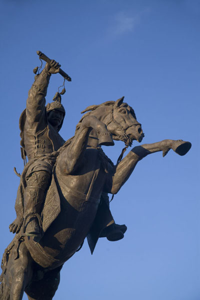 Statue of Chingünjav, inevitably on a horse, at the Town Square of Mörön - 蒙古