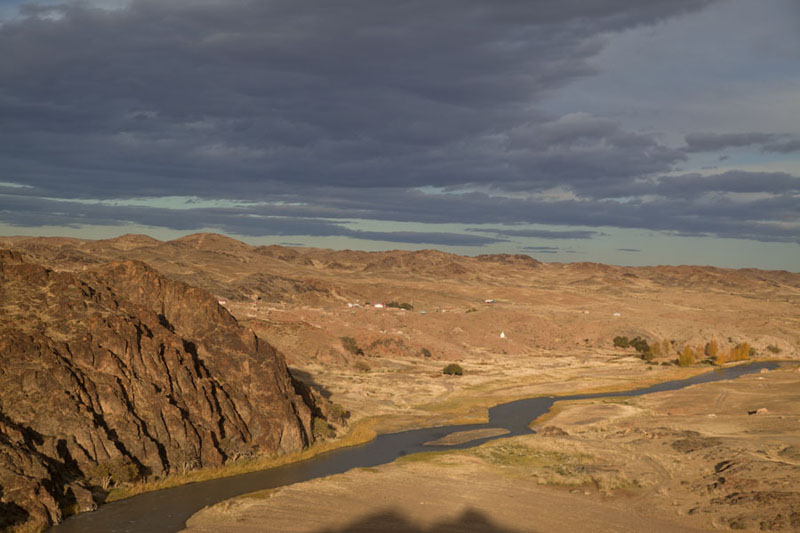 Panoramic view of Ongi river with Bari Lam Khiid on the right bank, and Khutagt Lam Khiid on the left | Ongiin Khiid | Mongolia