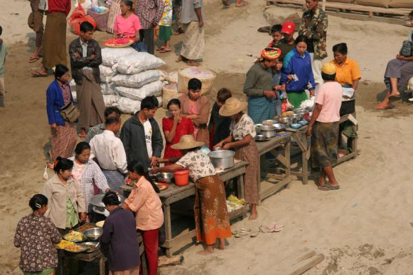 Villagepeople trying to sell their foods to boat passengers | Ayeyarwady Boat | Myanmar (Burma)