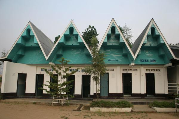 Foto di Building with hot baths near KengtungMyanmar (Birmania) - Myanmar (Birmania)
