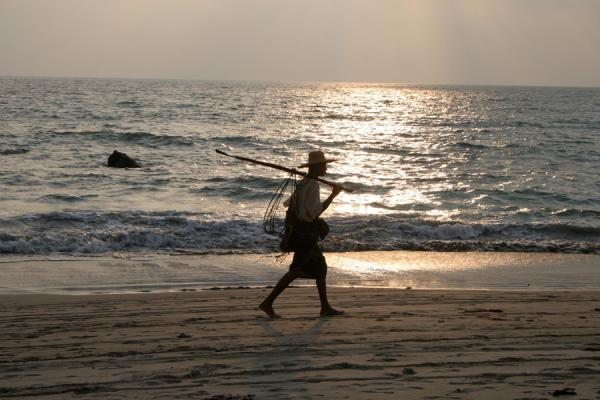 Picture of Fisherman walking Ngwe Saung Beach