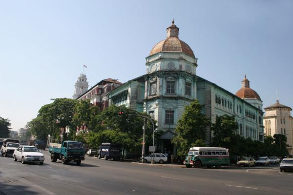 Foto di One of the remarkable colonial buildings in YangonMyanmar (Birmania) - Myanmar (Birmania)