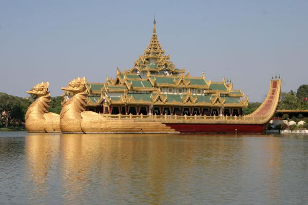 Picture of Yangon (Myanmar (Burma)): Golden Karaweik in Kandawgyi Lake: a reproduction of a royal barge