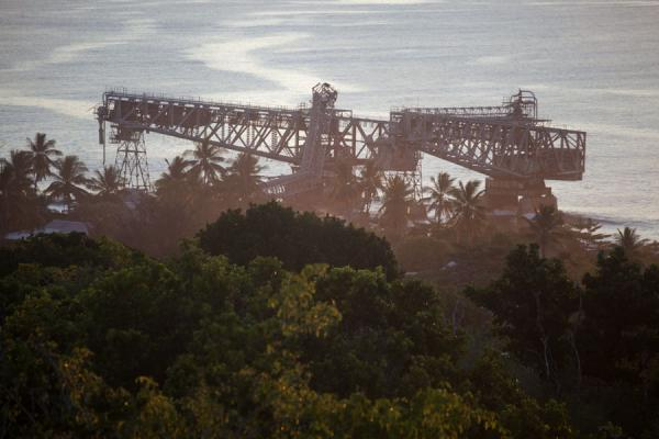 Photo de View of the cantilevers from Command RidgeAiwo - Nauru