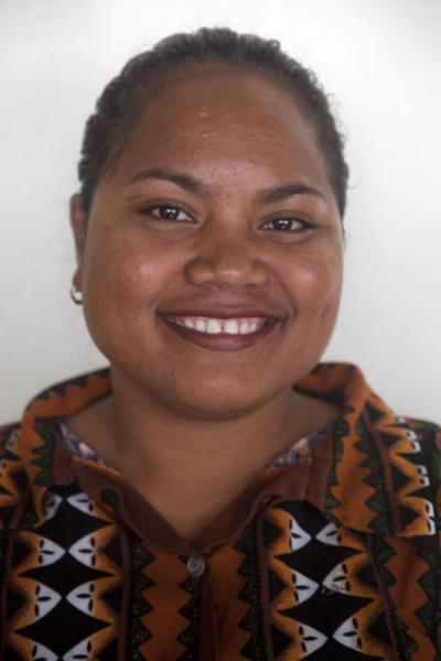Photo de Shining smile of a friendly Nauruan womanGens du Nauru - Nauru