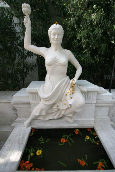 Picture of Feminine statue on the Garden of Dreams