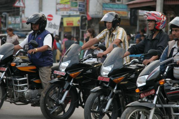 的照片 Ready to drive off in the streets of Kathmandu - 尼泊尔