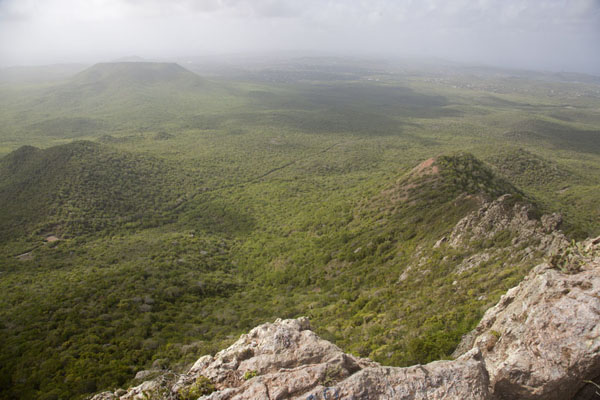 Foto de View from the top: Christoffelberg offers sweeping views in all directionsChristoffelberg - Antillas holandesas