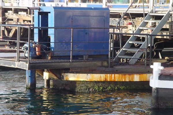 Detail of the pontoon bridge at Willemstad | Pontoon Bridge | Netherlands Antilles