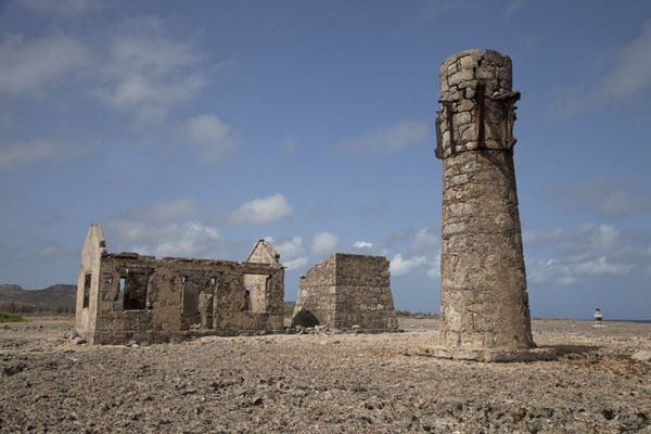 Ruins of lighthouse and research centre at Malmok, the northernmost point of Bonaire | Washington Slagbaai National Park | Antille Olandesi