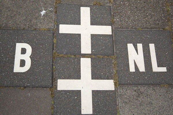 Picture of Baarle (Netherlands): One of the many border markings between Belgium and The Netherlands in close-up